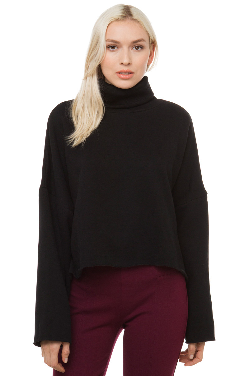 OVERSIZED CROP TURTLE NECK SWEATER