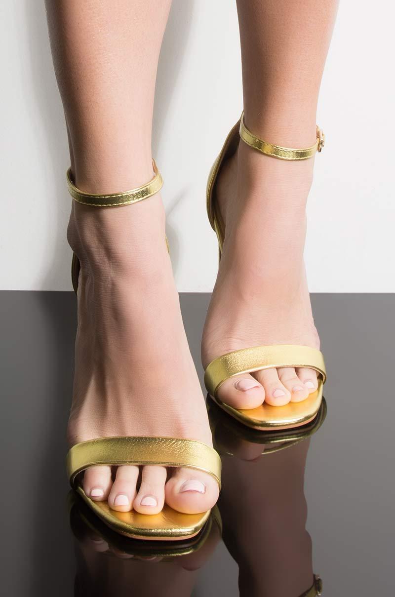 Azalea wang first class stiletto heeled sandal citron 1