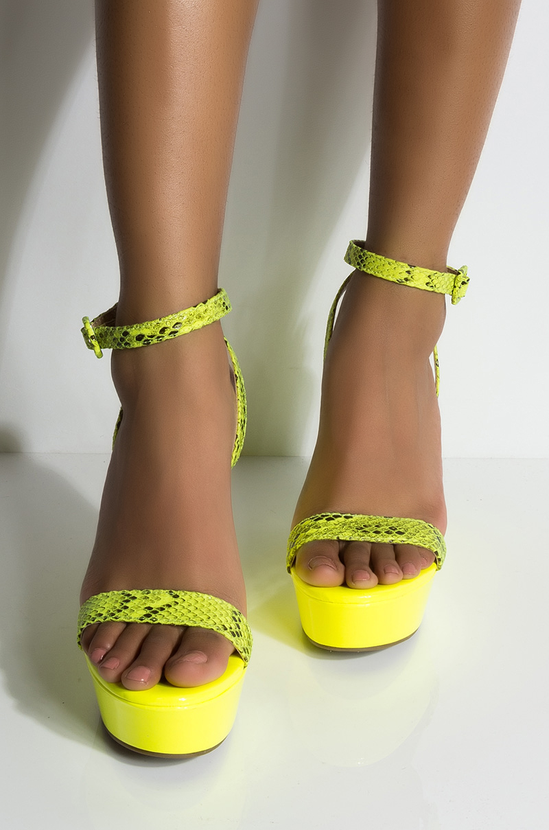 Azalea wang im ready to go wedge sandal neon green 1c1