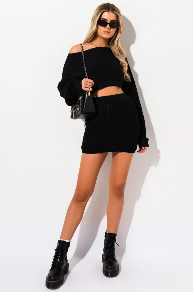 AND CHILL CABLE KNIT MINI SKIRT