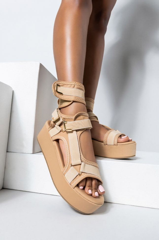 Front View Azalea Wang Back To You Flatform Sandal In Nude in Nude