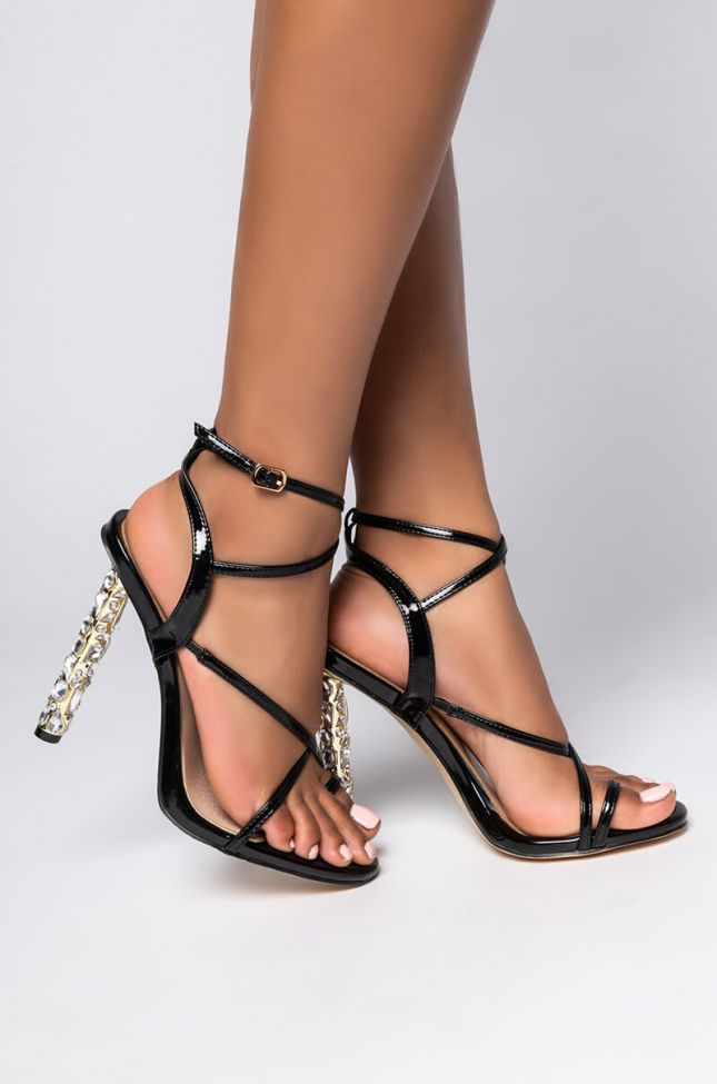 Side View Azalea Wang Between You And I Stiletto Sandal In Black in Black