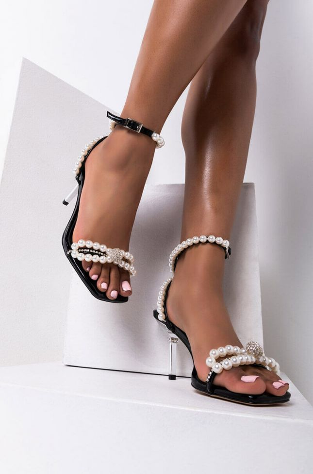 Front View Azalea Wang Blessing In Disguise Stiletto Sandal In Black in Black