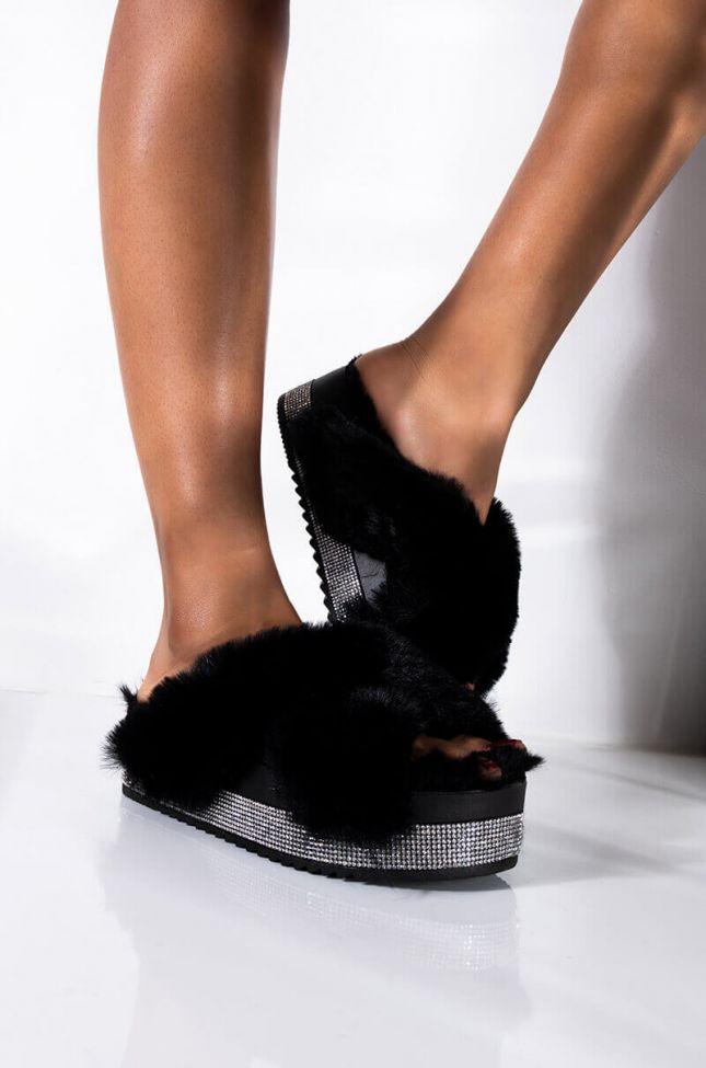 Front View Azalea Wang Cant Buy Realness Flatform Fur Slides In Black in Black