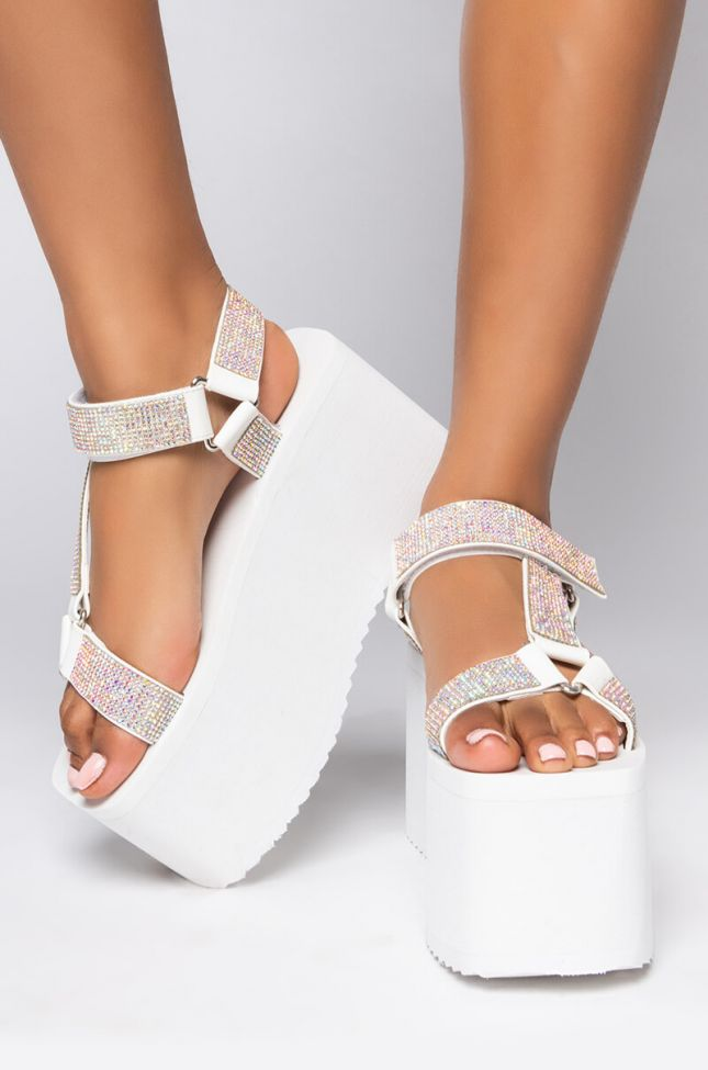Front View Azalea Wang Dont Stop Now Flatform Sandal In White in White