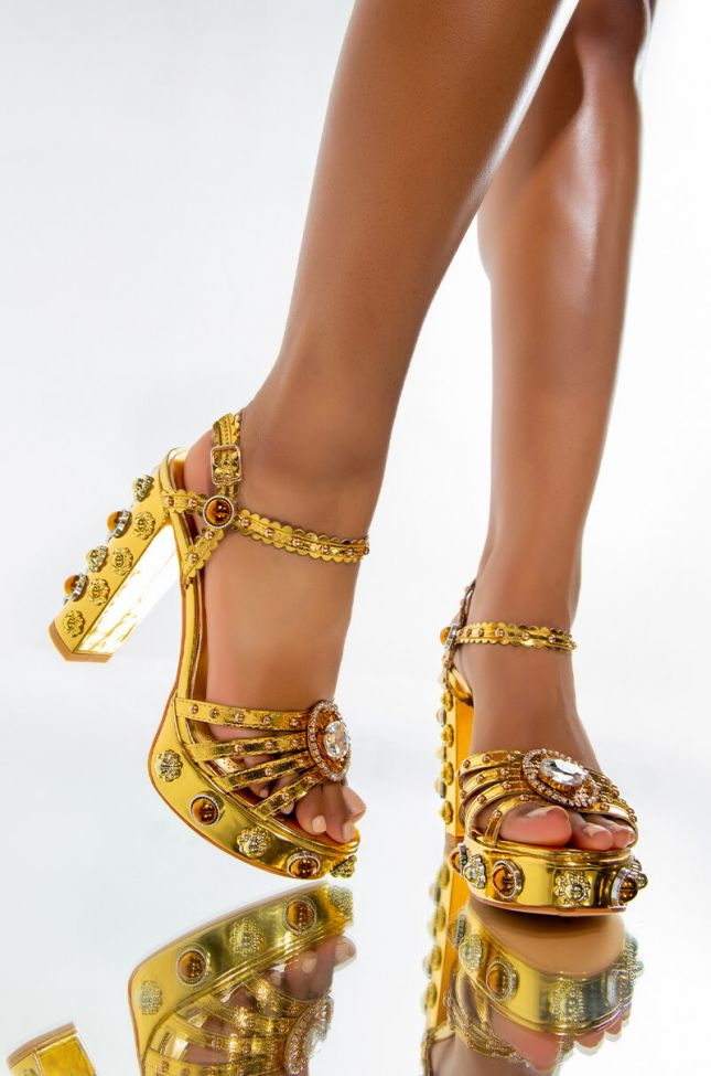 Front View Azalea Wang Even The Sun Sets In Paradise Chunky Heel Sandal