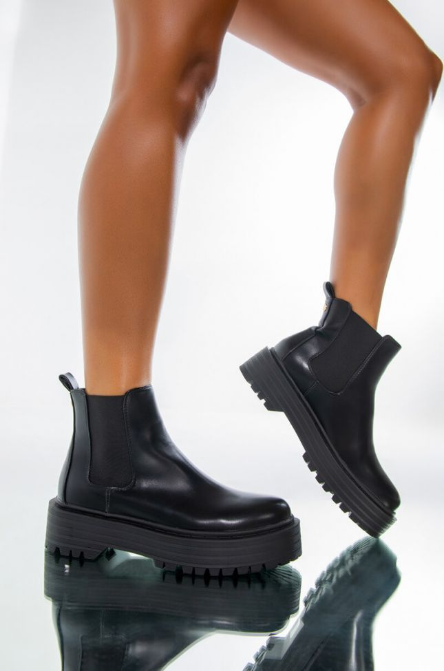 AZALEA WANG EVERYONE KNOWS THE RULES FLATFORM BOOTIE IN BLACK