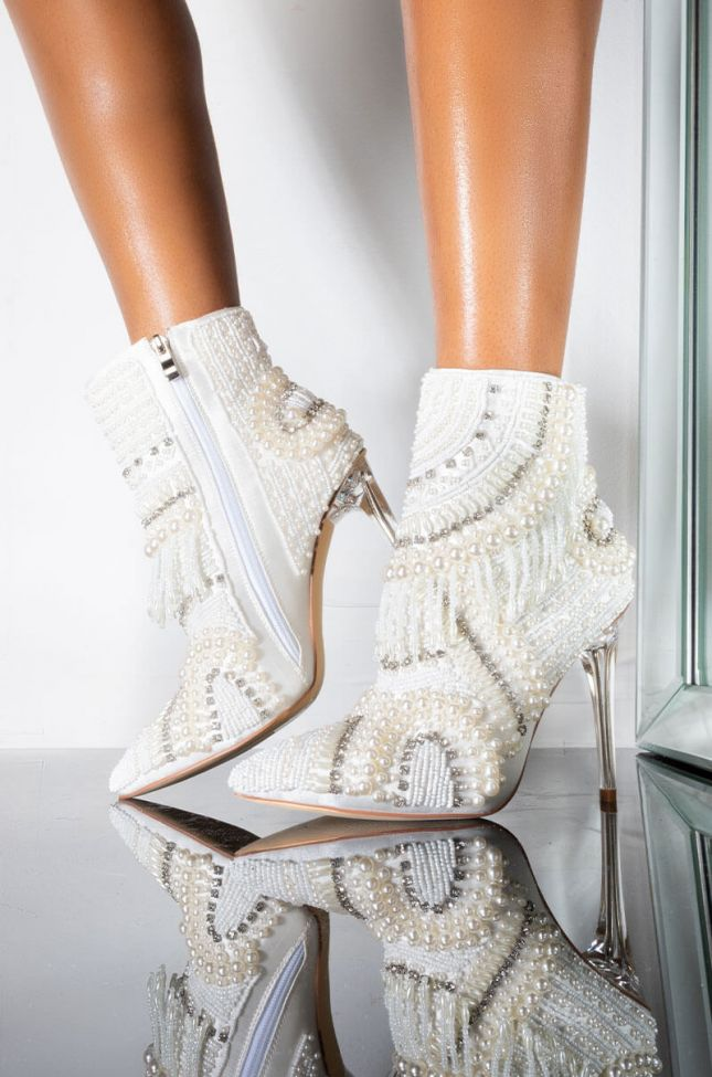 Front View Azalea Wang Illusions Can Be Deceiving Stiletto Bootie In White in White