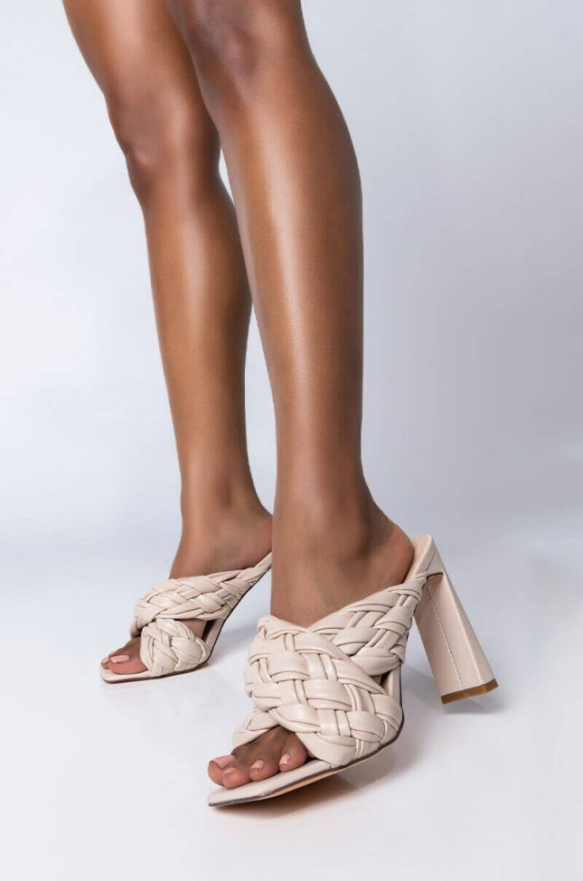 Front View Azalea Wang Its All Love Chunky Sandal In Nude in Nude