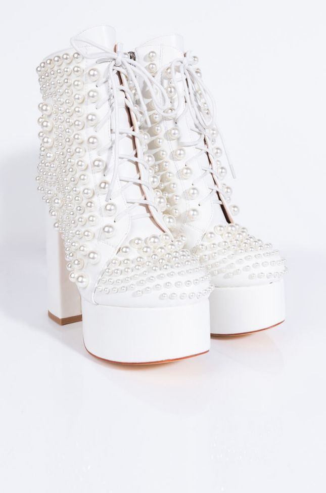 Front View Azalea Wang Its The Pearls For Me Chunky Bootie In White in White
