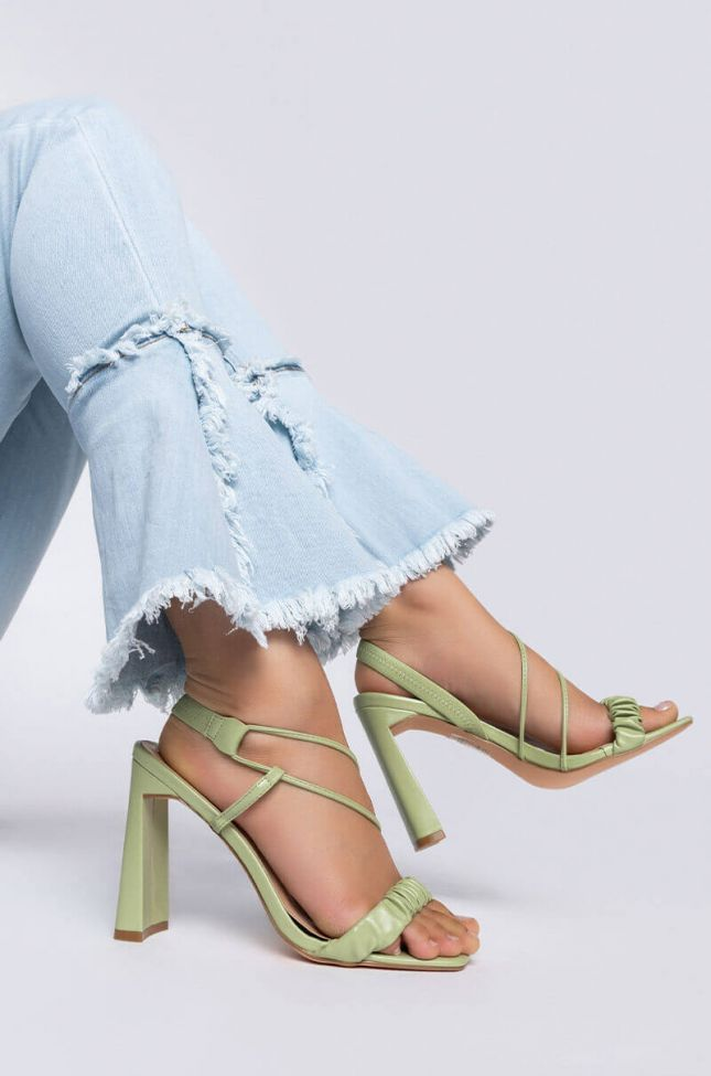 Front View Azalea Wang Just Let Me Adore You Chunky Sandal In Green in Green