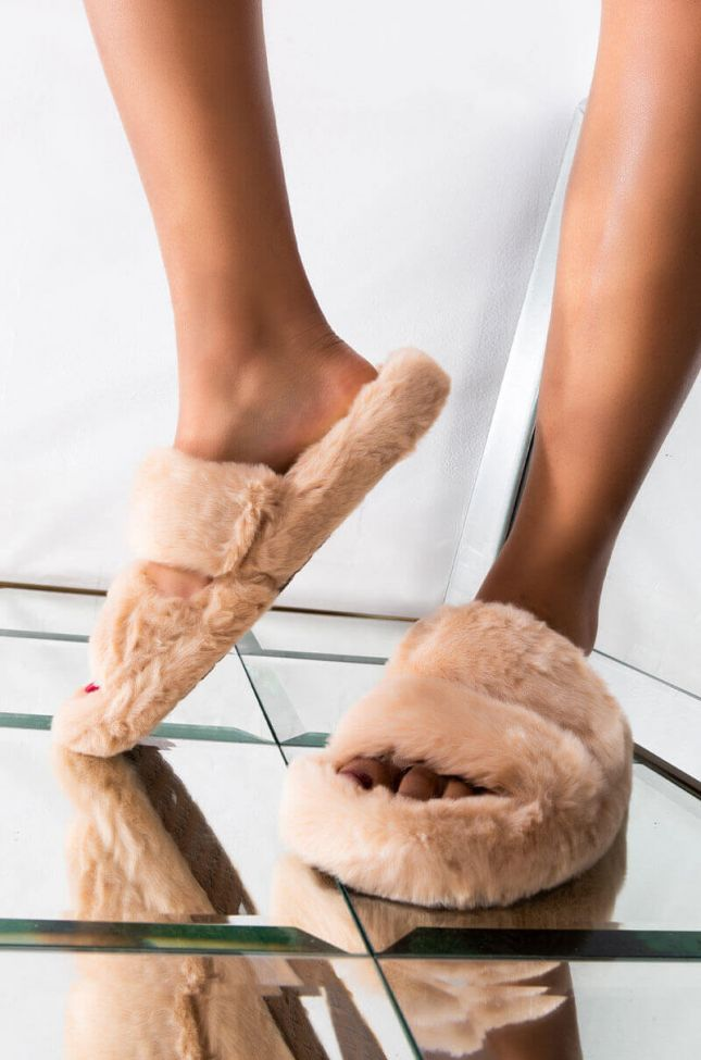Front View Azalea Wang Laid Back Flat Fur Slides In Brown in Brown
