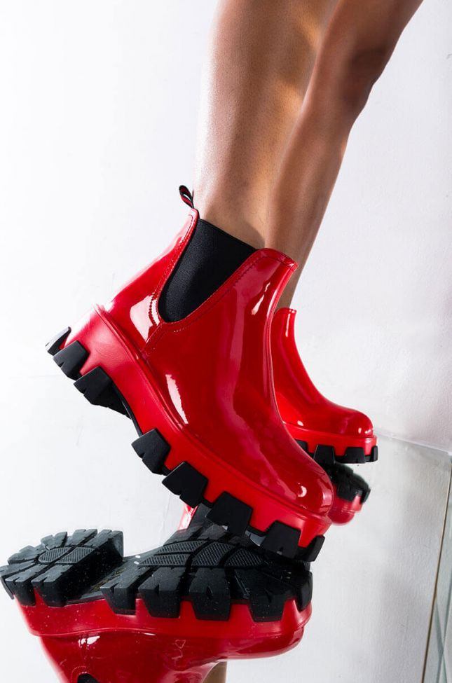 Front View Azalea Wang Learn To Let Go Flat Bootie In Red in Red