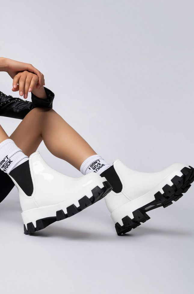 Front View Azalea Wang Learn To Let Go Flatform Bootie In White in White