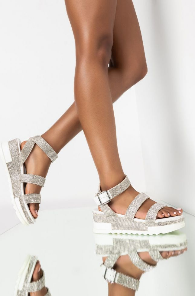 Front View Azalea Wang Let You Know Youre Mine Flatform Sandal In White in White