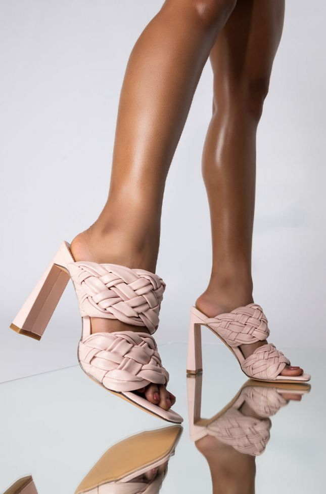 Front View Azalea Wang Lets Slow It Down Chunky Sandal In Pink in Pink