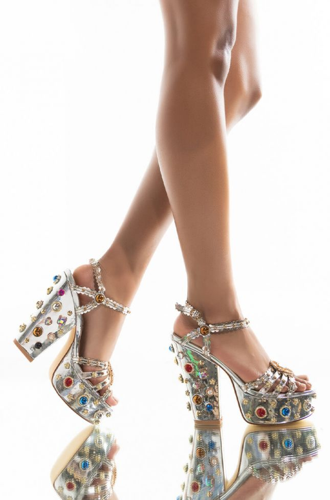 Front View Azalea Wang Lets Switch It Up Chunky Sandal In Silver