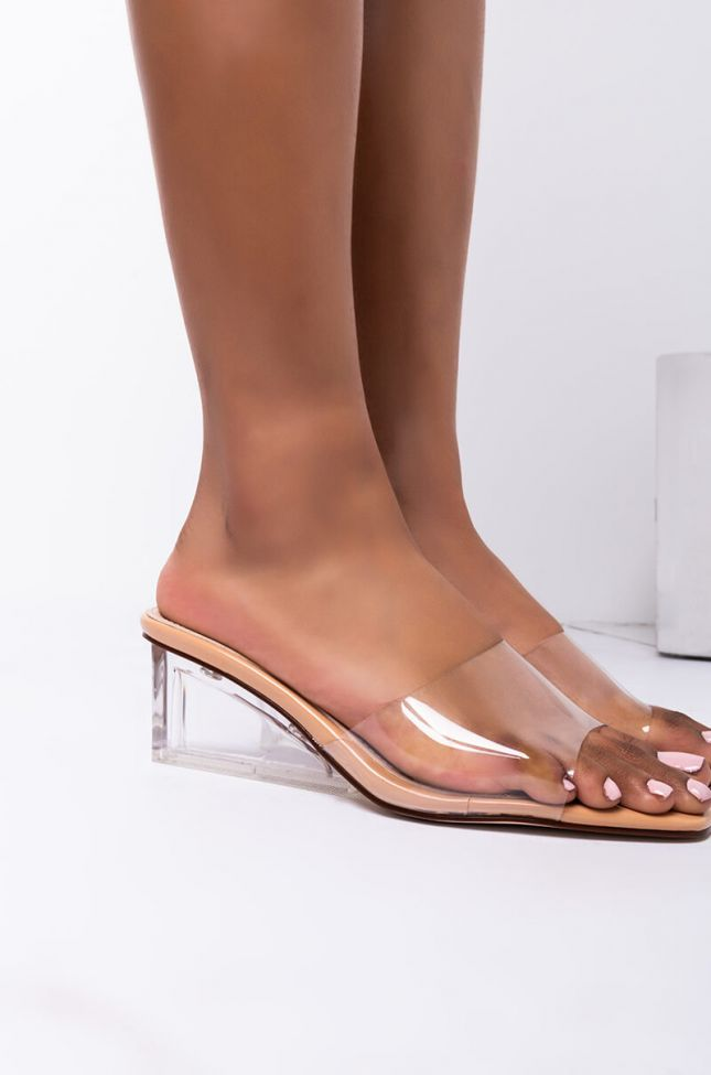 Back View Azalea Wang Love At First Sight Wedged Heel Sandal In Nude in Nude