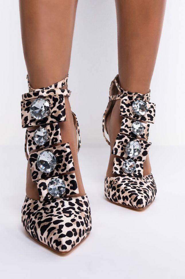 Back View Azalea Wang Make It Look Easy Stiletto Pump In Leopard in Leopard