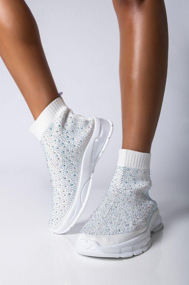 Front View Azalea Wang Never Be Like You Flatform Sneaker in White