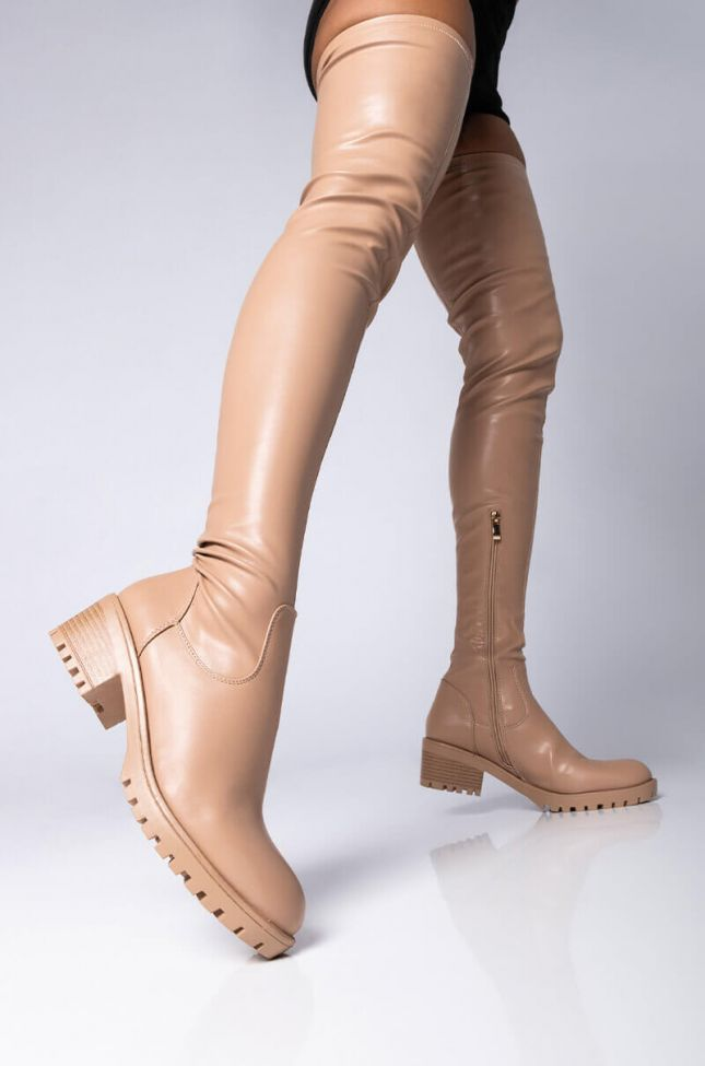 Front View Azalea Wang One That Youre Dreaming Of Flatform Boot In Nude in Nude