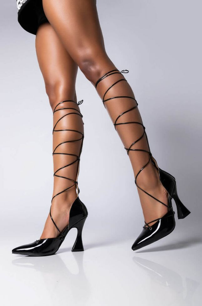 Front View Azalea Wang Out Of Your League Novelty Pump In Black in Black