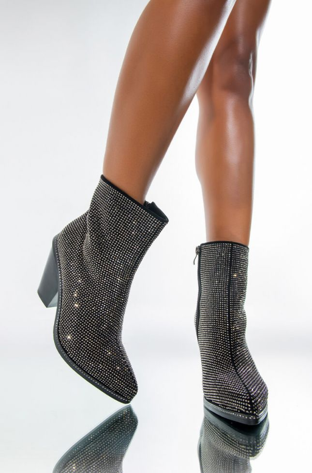 Front View Azalea Wang Pretend You Dont Care Chunky Heel Bootie