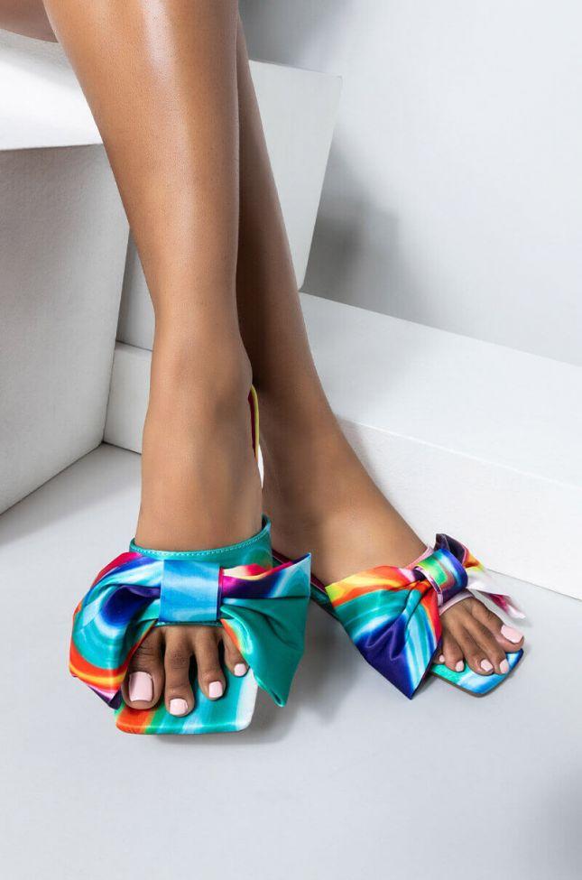 Front View Azalea Wang Put A Bow On It Flat Sandal In Multi in Multi