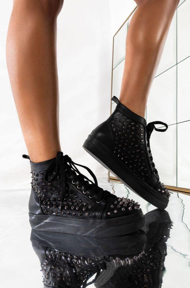 Front View Azalea Wang The Demon Inside Sneaker In Black in Black