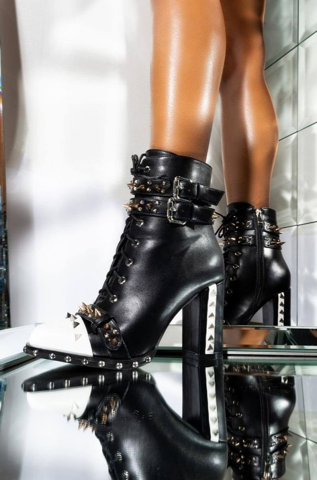 Front View Azalea Wang Theres No Right Or Wrong Chunky Heel Bootie In Black in Black Pu