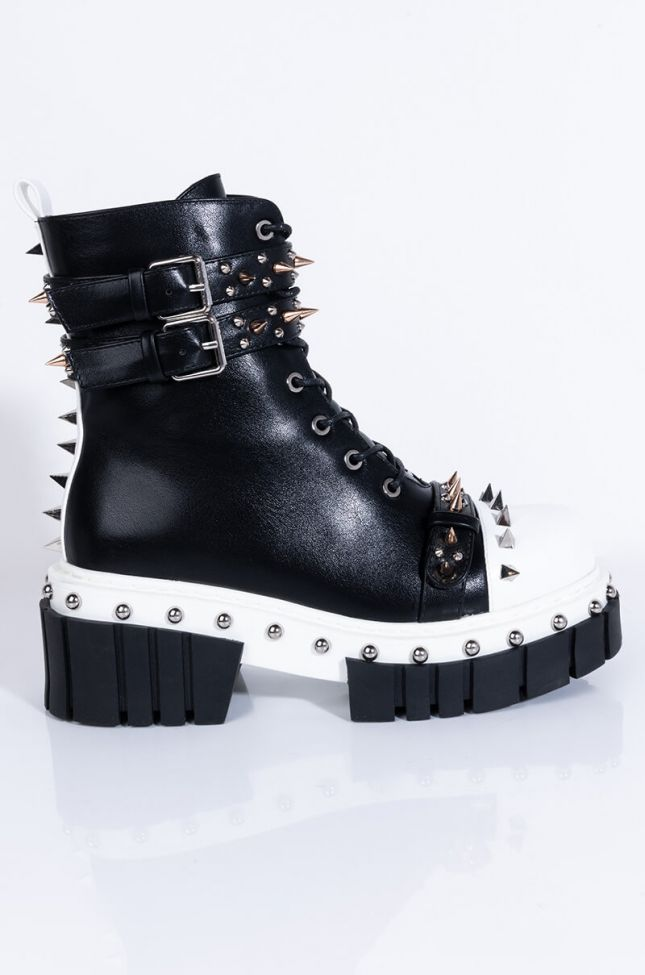 Side View Azalea Wang Theres No Right Or Wrong Flatform Bootie in Black White