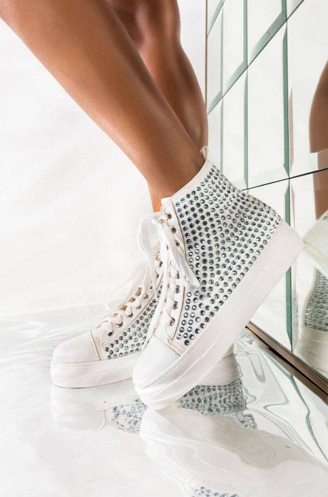 Front View Azalea Wang Treasure Me Sneakers In White in White