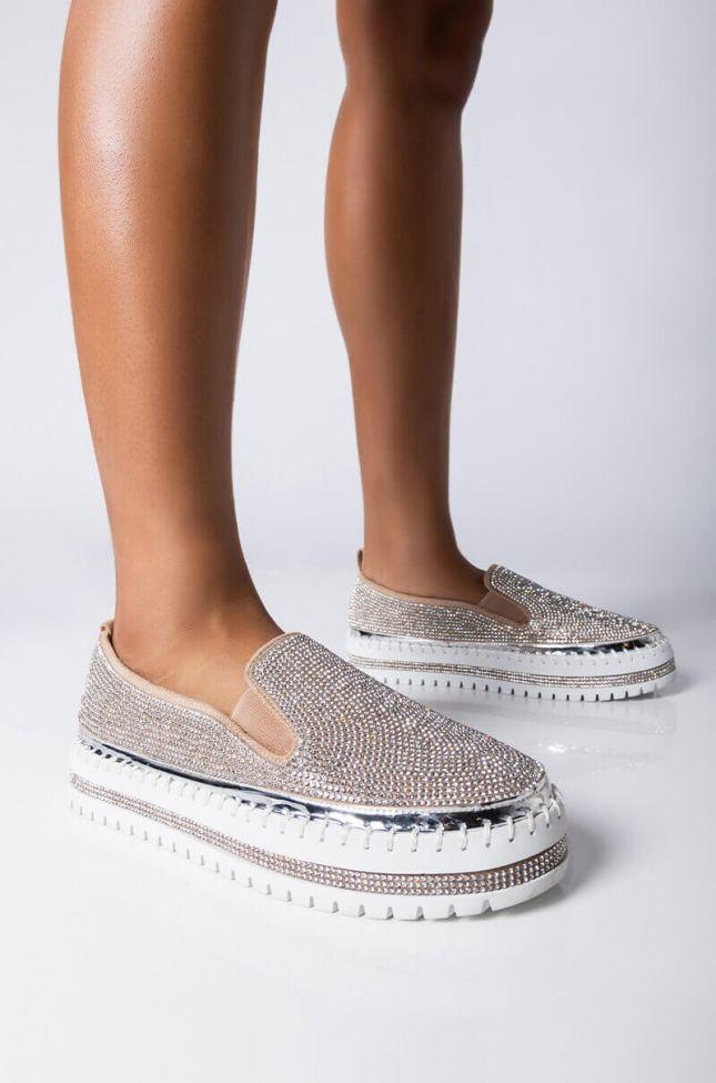 Front View Azalea Wang Vibez Flatform Sneaker In Silver in Silver