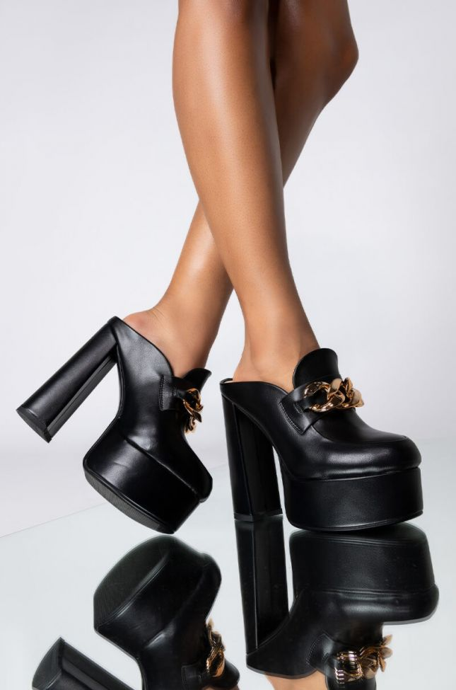 Front View Azalea Wang Whats The Rush Chunky Heel Loafer In Black in Black