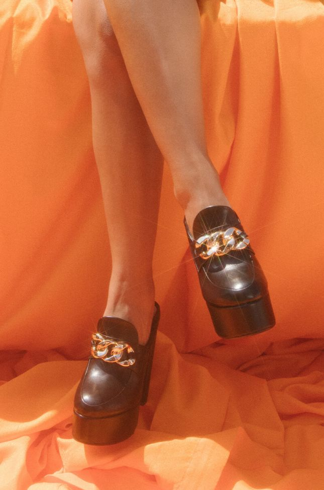 Front View Azalea Wang Whats The Rush Chunky Heel Loafer In Black