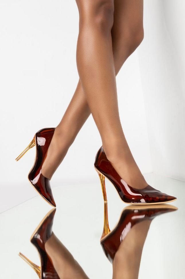 Front View Azalea Wang You Need Me Stiletto Pump In Chocolate in Caramel