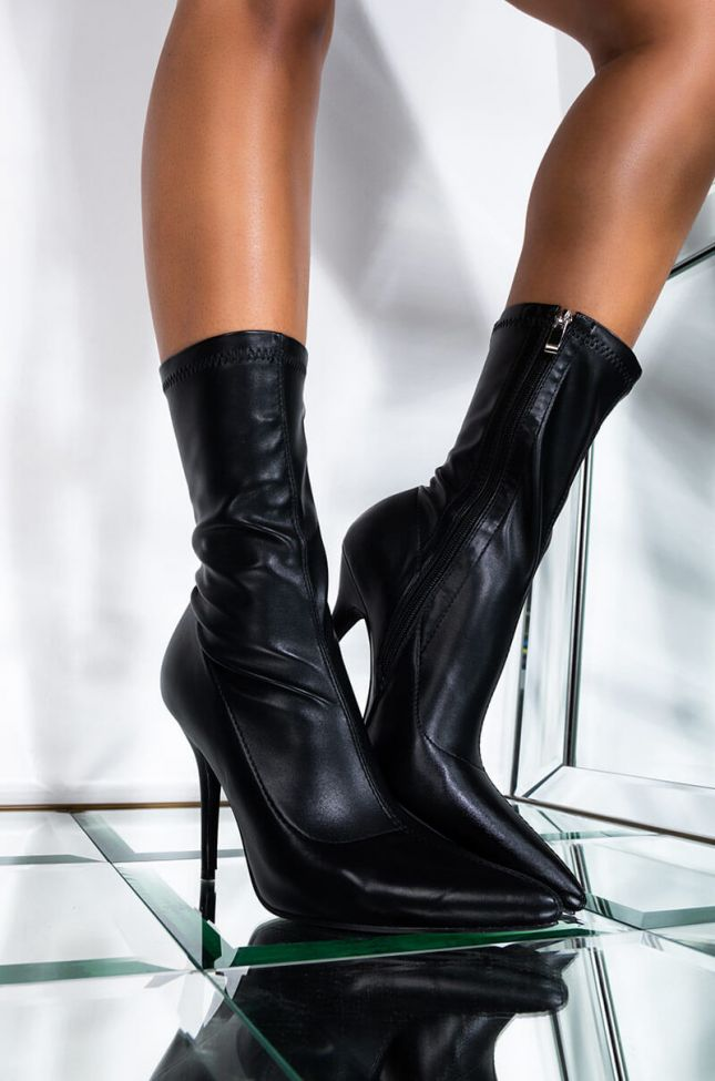 Front View Azalea Wang Youre In The Mood For A Dance Bootie In Black Pu in Black Pu