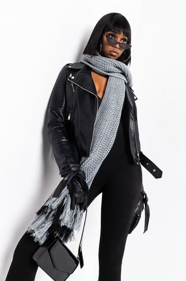Side View Big Mood Thick Knit Fringe Scarf in Grey Multi