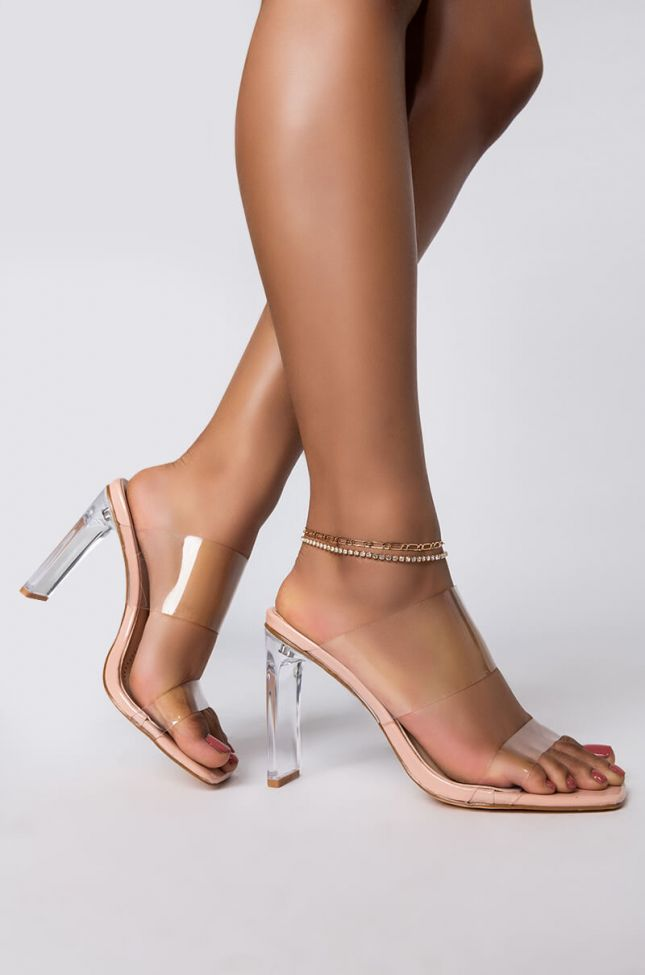 Front View Bling Chain Anklet in Gold