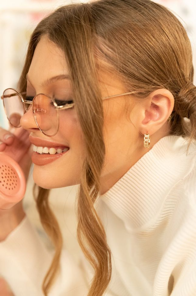 Front View Chain Link Pave Baby Hoop