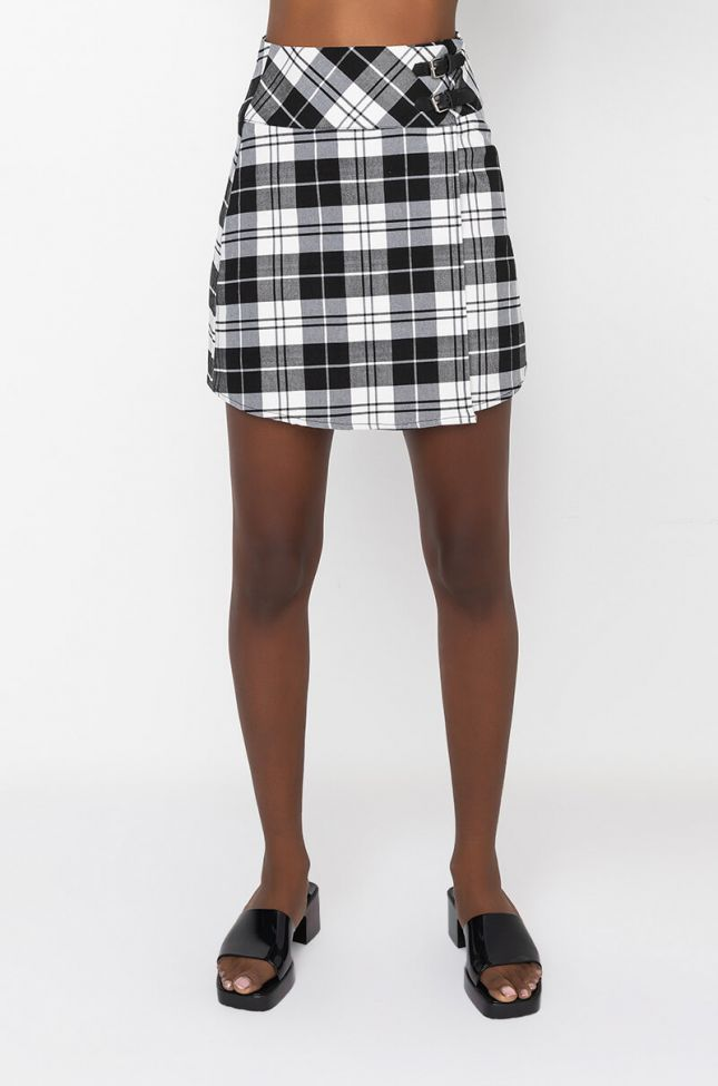 Front View College Vibe Mini Plaid Skirt