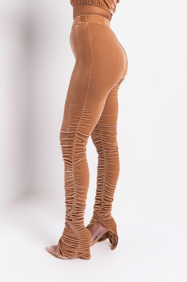 Side View Della Velvet Stacked Legging in Blush