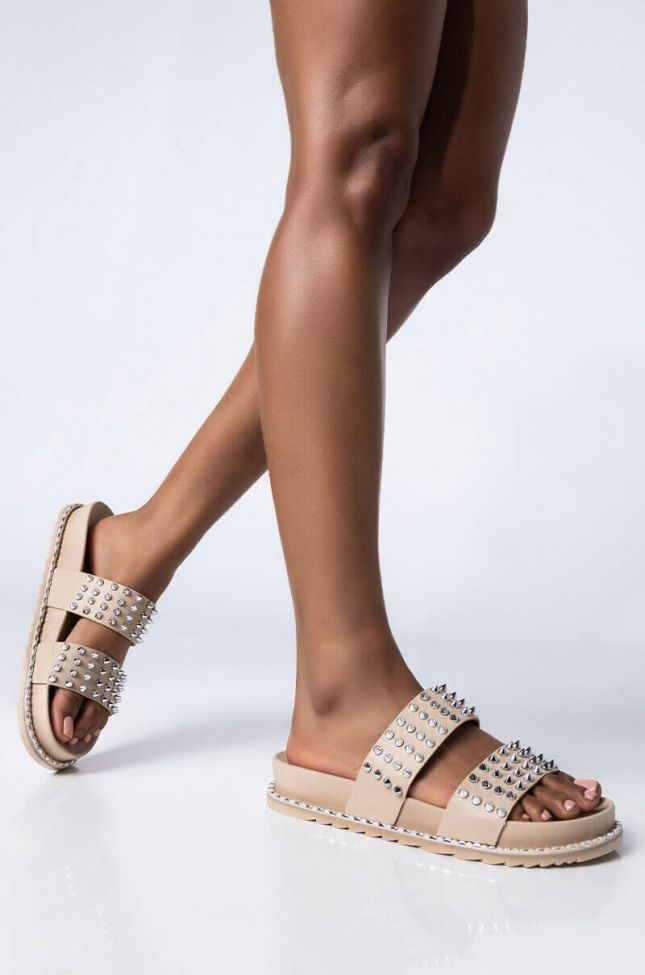 Front View Feel Your Gravity Flat Sandal in Beige