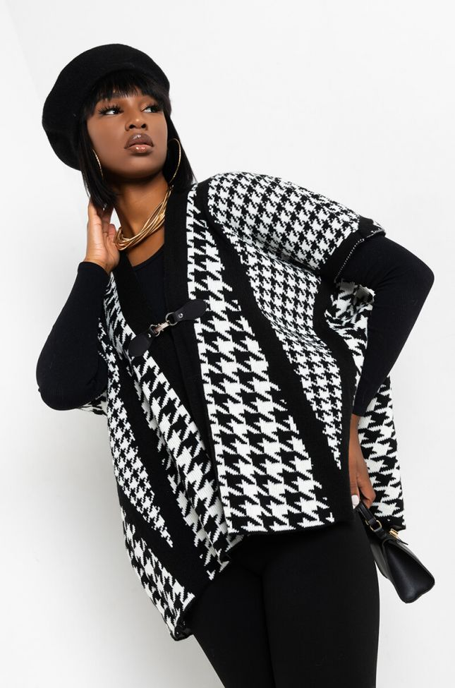 HOUNDSTOOTH CLASP PONCHO
