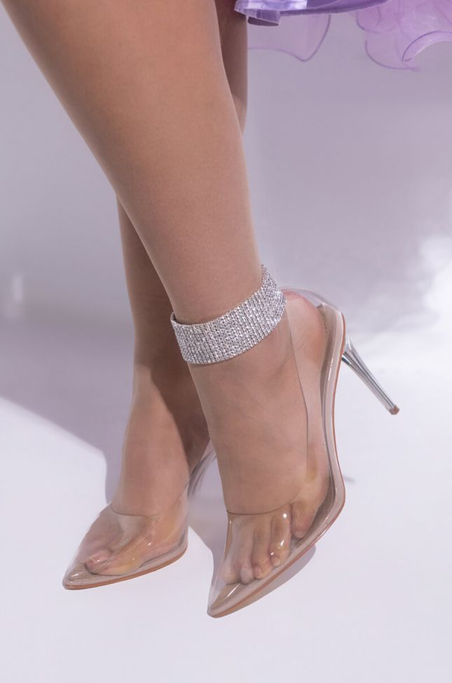 Front View Frost Yourself Statement Anklet
