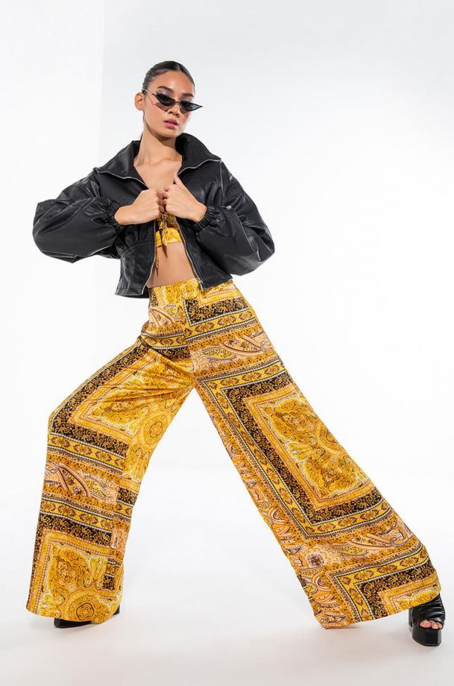 GOT HER OWN WIDE LEG PALAZZO PANTS