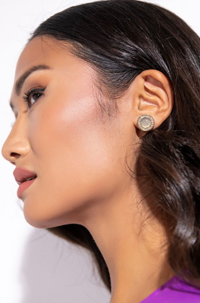 Front View Halo Pave Studs