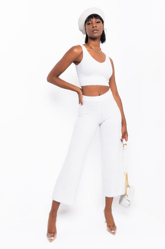 Full View Head In The Cloud Joggers in White