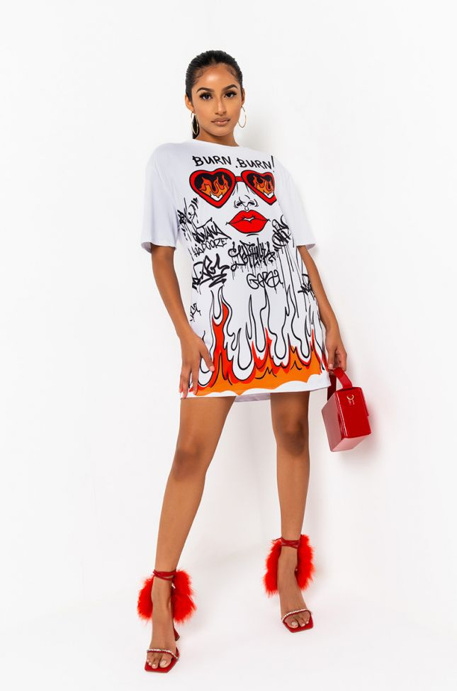 Front View Hot N Hur Oversized T Shirt in White Multi