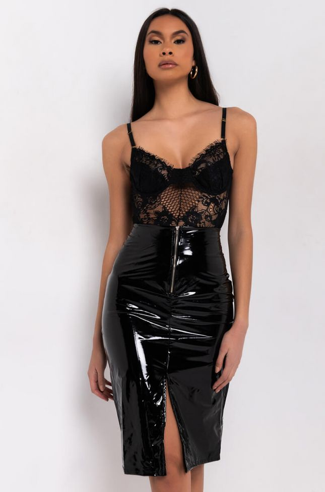 Full View Hot To Go Zip Front Patent Faux Leather Midi Skirt in Black